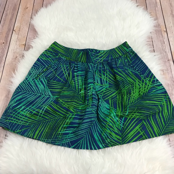 Banana Republic Dresses & Skirts - Banana Republic Fern Print Full Mini Skirt Size 6P
